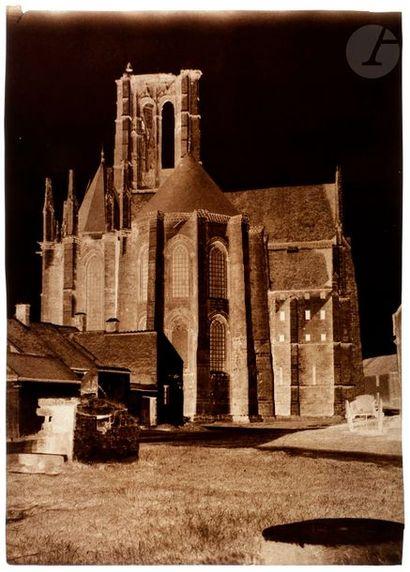 Cercle de Gustave Le Gray Fontainebleau, c. 1852. Église Saint-Mathurin à Larchant....