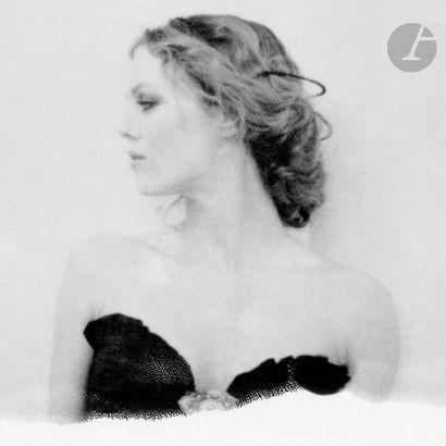 Lisa Roze (1972) Paradis. 2011. Épreuve chromogénique,...