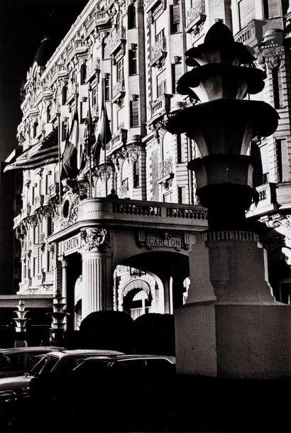 Helmut Newton (1920-2004) The Carlton. Cannes,...