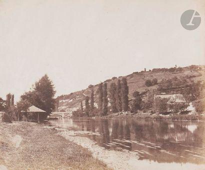 Roger du Manoir (1827-1888) Paysage fluvial, c. 1855. Épreuve sur papier salé, d'après...