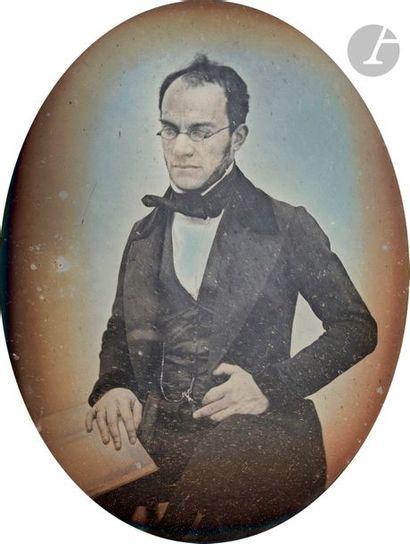 Daguerréotypiste non identifié Couple, c. 1845. Deux (2) daguerréotypes, 1/4 de...