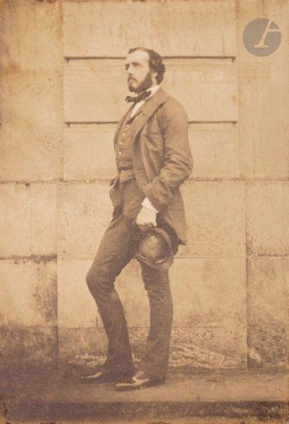 Roger du Manoir (1827-1888) Portrait de dandy, c. 1850. Épreuve sur papier salé,...