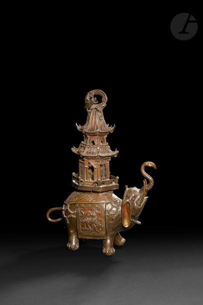 JAPON - Vers 1900 Brûle-parfum en bronze...