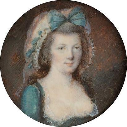 Portrait de femme coiffée d'un bonnet blanc...