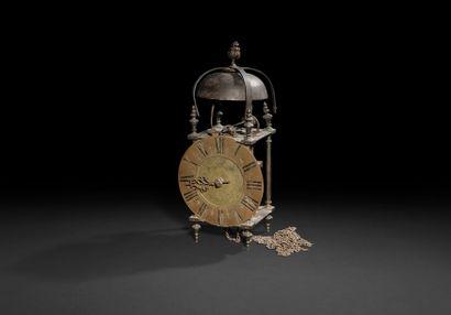 Pendule à la Capucine en laiton et bronze,...