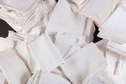 Lot de 204 petites serviettes en damassé...