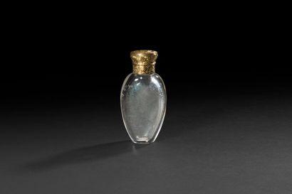 Flacon à sels en cristal et monture en or...