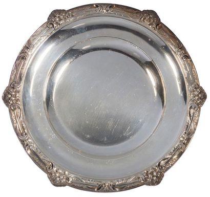 Paire de plats circulaires en argent, le...