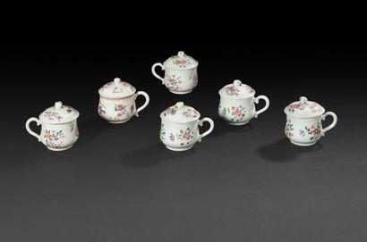 Chine Ensemble de six pots à jus couverts...
