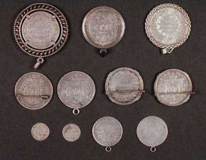 Lot de 11 pièces en argent. dont 9 montées....