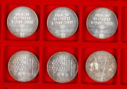 6 pièces de 100 Francs en argent, dans un...