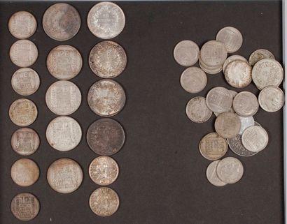 Lot de 19 pièces en argent dans un sachet...