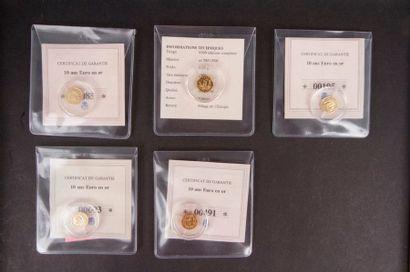 Un ensemble de pièces et médailles sur le...