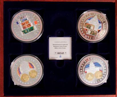 Ensemble de 32 médailles : - 8 médailles...