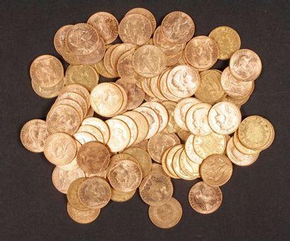 100 pièces de 20 Francs en or, dans un sachet numéroté 2017160: - 67 pièces de 20...