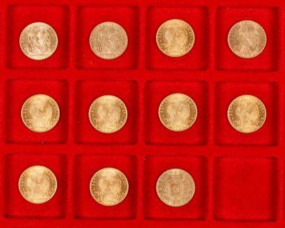 Lot de 11 pièces de 20 Francs en or dans un sachet numéroté 2017084 : - 10 pièces...
