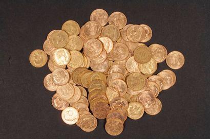 100 pièces de 20 Francs en or, dans un sachet...
