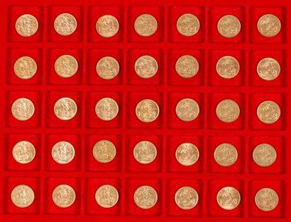 60 Souverains en or, dans un sachet numéroté 2017093: - 2 Souverains en or. Type...