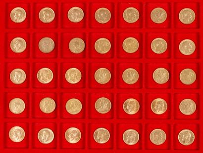 60 Souverains en or, dans un sachet numéroté 2017092: - 1 Souverain en or. Type...