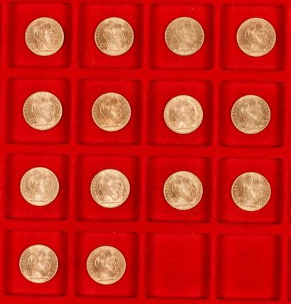 14 pièces de 20 Francs en or dans un sachet...
