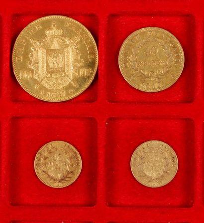 Lot de 4 pièces françaises en or dans un...