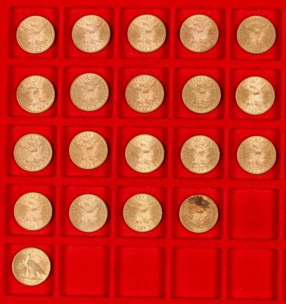 20 pièces de 10 Dollars en or, dans un sachet...