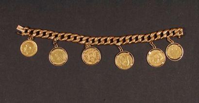 Bracelet en or à pampilles (pièces). Poids...