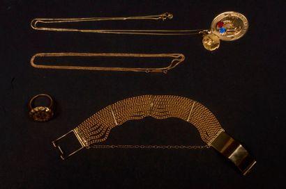 Lot de bijoux en or comprenant : - 1 bracelet...