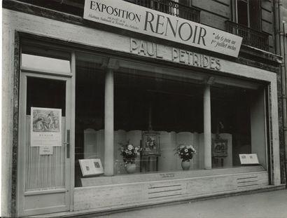 [Paul Pétridès (1901-1993)]. Ensemble de lettres, la plupart L.A.S., et de photographies...