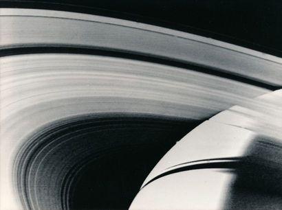 NASA et divers Saturne vue par les sondes Voyager 1 et Voyager 2, 1980-1981. Deux...