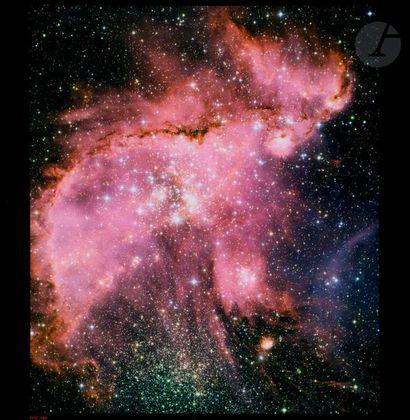 NASA Télescope Hubble, 10 novembre 2005. Jeunes étoiles. Épreuve chromogénique pigmentaire....
