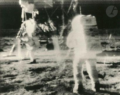 NASA Apollo 11, 21 juillet 1969. Retransmission...