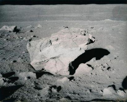 NASA Apollo 14, 6 février 1971. Roche lunaire....