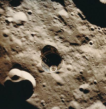 NASA Apollo 16, 20 avril 1972. Module de...