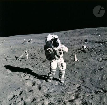 NASA - Charles Duke Apollo 16, 21 avril 1972....