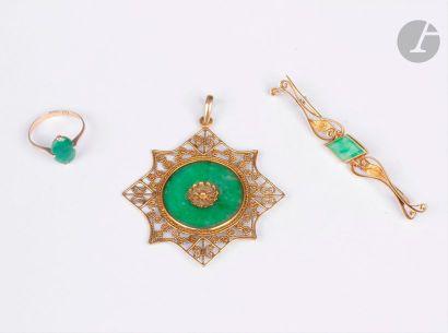 Lot de 3 bijoux en or 14K (585) et 18K (750)...