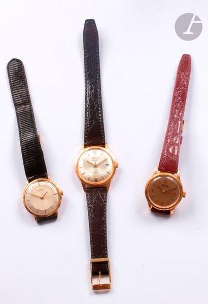 Lot composé d'un ensemble de trois montres...