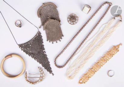 Élément de broche-barrette en argent, sertie de diamants de taille ancienne scandés...