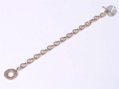 TIFFANY & Co. Bracelet en argent, articulé de maillons ovales, fermoir en anneau...