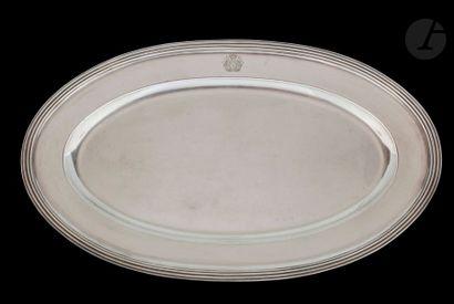 CHRISTOFLE Grand plat ovale en métal argenté...