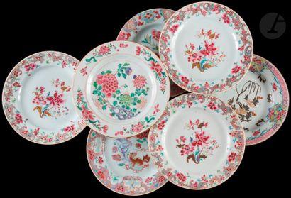 Chine Sept assiettes en porcelaine à décor...