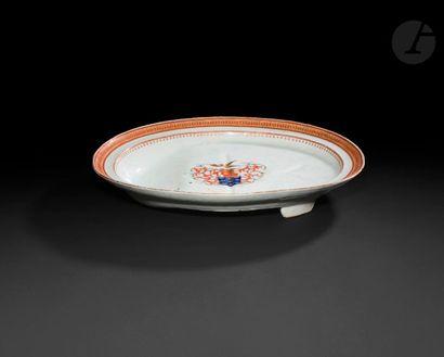Chine Grand plat à asperges ovale en porcelaine...