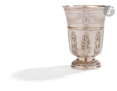 PARIS 1786 - 1787 Timbale tulipe en argent,...