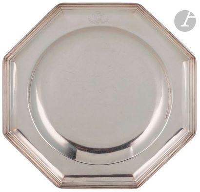 LILLE 1728 - 1729 Paire de plats ronds, à...