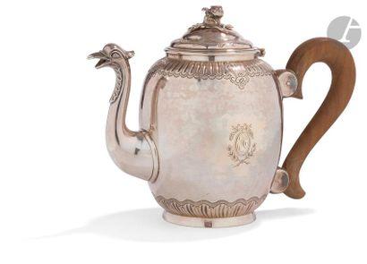 BORDEAUX 1773 - 1774 Théière en argent de...
