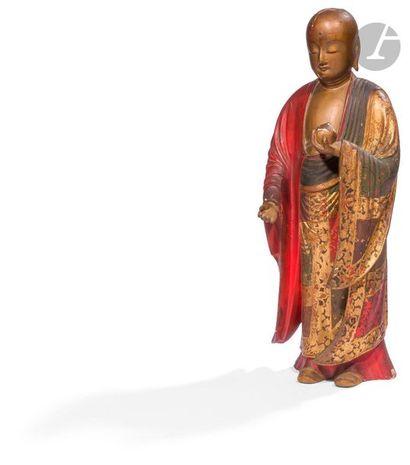JAPON - Vers 1900 Statuette en bois laqué or, brun, rouge et vert de rakan debout,...