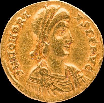 HONORIUS (393-423). Son buste diadémé et...