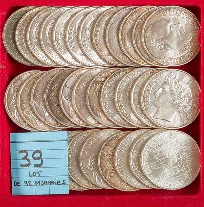 MONNAIES FRANÇAISES DE LA CINQUIEME REPUBLIQUE (1959 - ). LOT de 32 pièces de 100...