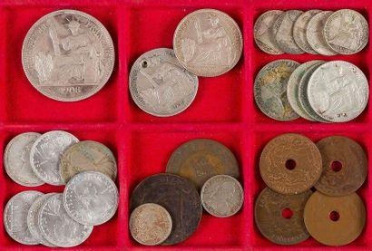 INDOCHINE FRANÇAISE. LOT de 41 monnaies :...