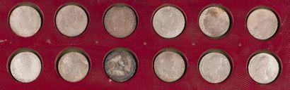 BOLIVIE. LOT de 16 pièces de 8 réaux (buste...